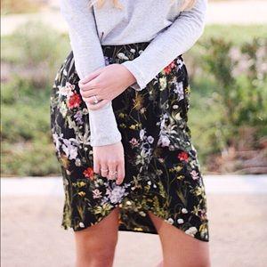 Dresses & Skirts - black floral skirt